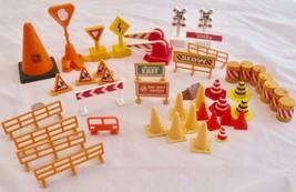 Tonka Toys Signs Cones Barrels Stop Railroad Fences and More 44 Pieces - $34.64