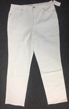STYLE&C0 WOMEN'S TUMMY CONTROL TAPERED LEG JEANS WHITE 16SHORT - $14.85
