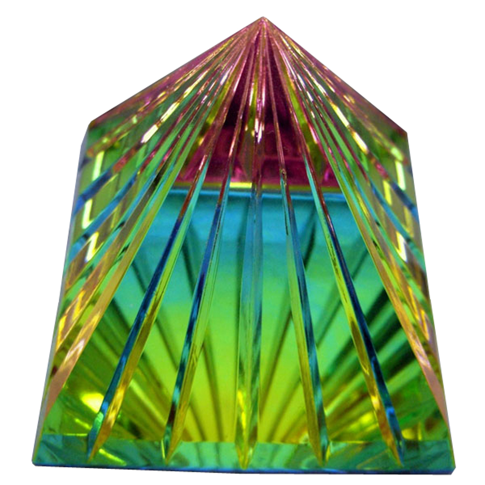 Scholer Grooved Handcut Crystal Pyramid