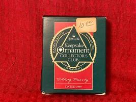 1989 Hallmark Keepsake Ornament   Collector's Club  Sitting Purrty   035... - $2.99