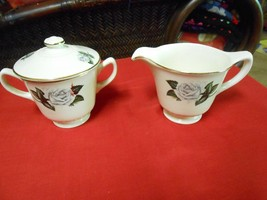 "Beautiful HOMER LAUGHLIN Dinnerware ""Gardenia"" .SUGAR & CREAMER - $12.19"