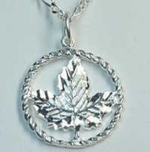 LOOK Canada Toronto Canadian maple leaf pendant charm Sterling silver .9... - $16.07