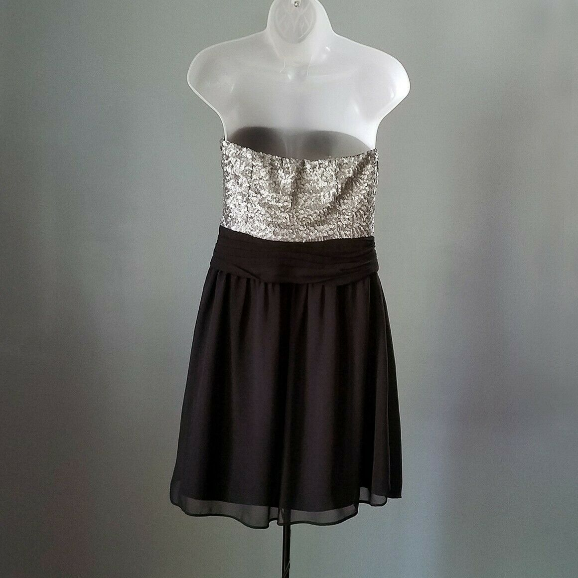 Express Silver & Black Sequin Strapless Cocktail Dress Size 6 image 5