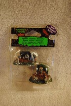 Rare Lemax Spooky Set Of Two Zombies #22007 Scary Halloween 2012 - $19.99