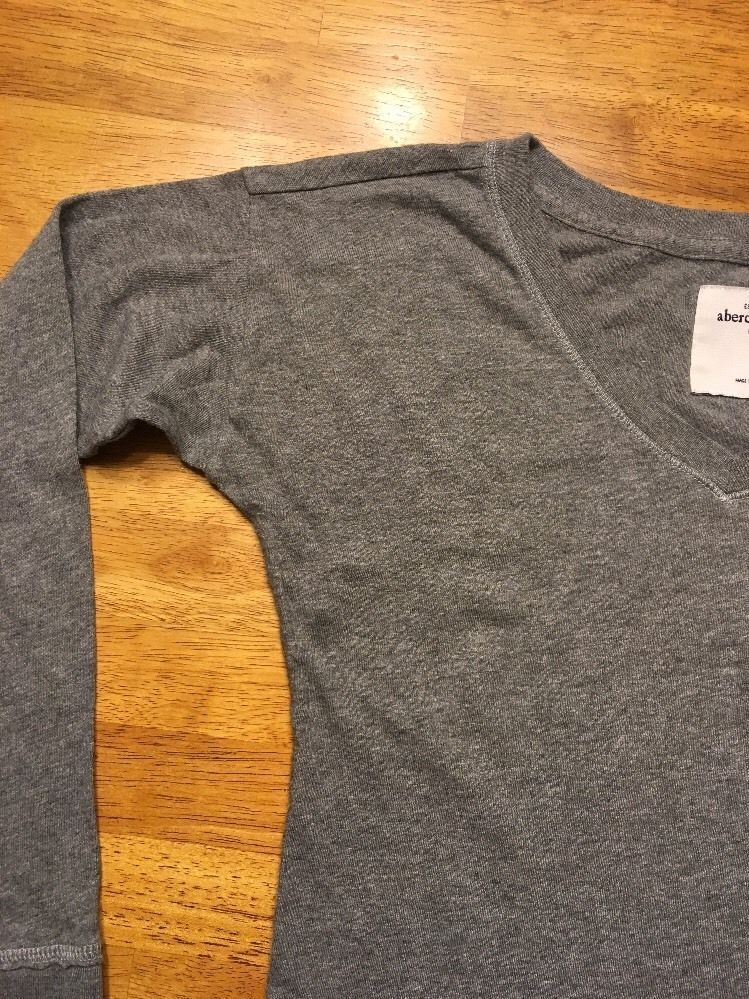 Abercrombie Kid's Girl's Gray Long Sleeve V-Neck Shirt - Size Small image 5