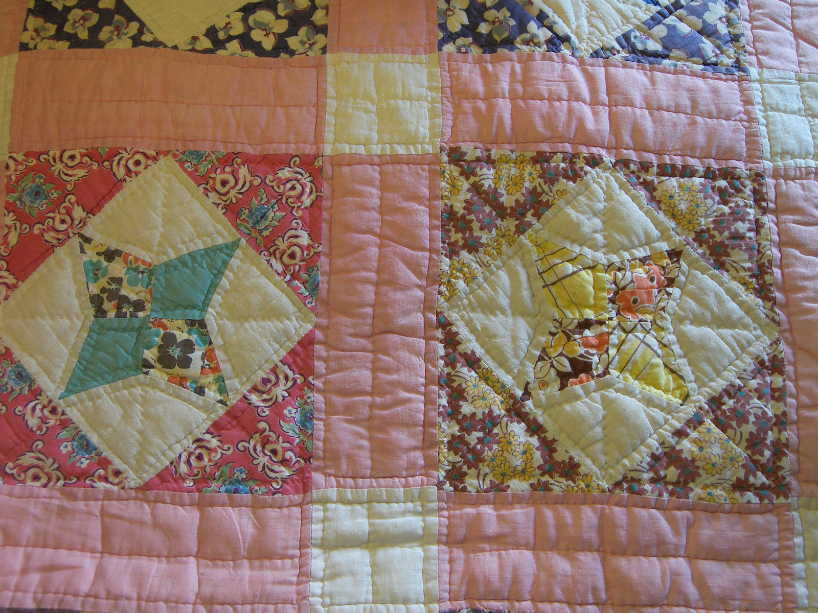 """Vintage Fabric Quilt Star Pattern 68"""" x 82"""" Hand Quilted"""