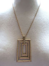 Couture Sarah Coventry Pendant Necklace Chain Rectangular Gold Plate Texture VTG image 5