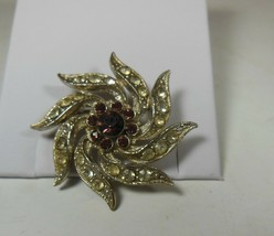 Vintage Rhinestone Sunburst pin Brooch - $17.81
