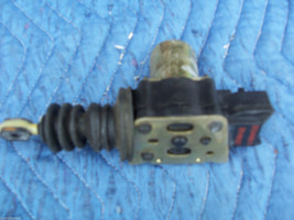 1987 CHEVY CAPRICE ESTATE WAGON RIGHT FRONT DOOR LOCK ACTUATOR OPENER US... - $83.16