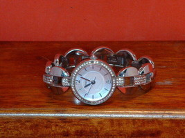 Pre-Owned Women's Fossil Rhinestone ES-3012 Analog Quartz Watch - $19.80