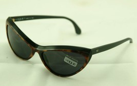 vogue vintage sunglasses, designer fashion sunglasses, new old stock - $46.74