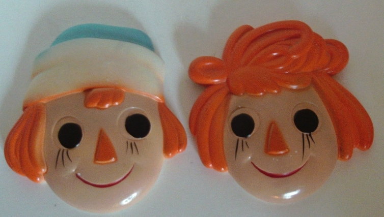 Vintage Chalkware Raggedy Ann & Andy Wall Decor // Home Decor // Nursery Decor