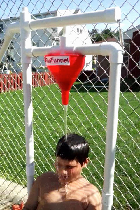 Soak 'N' Wet/Fun Funnel (Water Game Combo)*