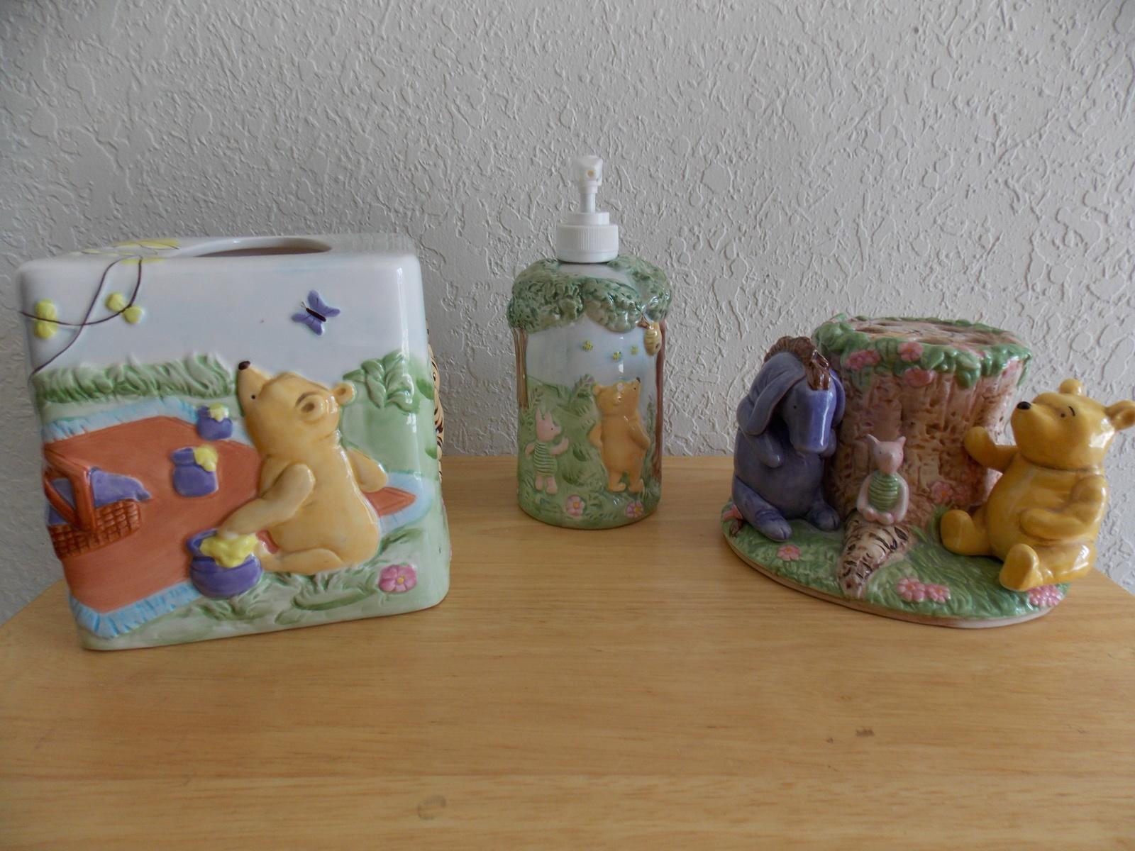 Disney Classic Winnie The Pooh 3pc Ceramic Bathroom Accs Set Other