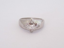 Vintage Sterling Silver CZ Ladies Ring Size 8 - $25.00