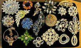 Lot Of 19 Vintage Costume Jewelry Rhinestone Brooches - $77.23