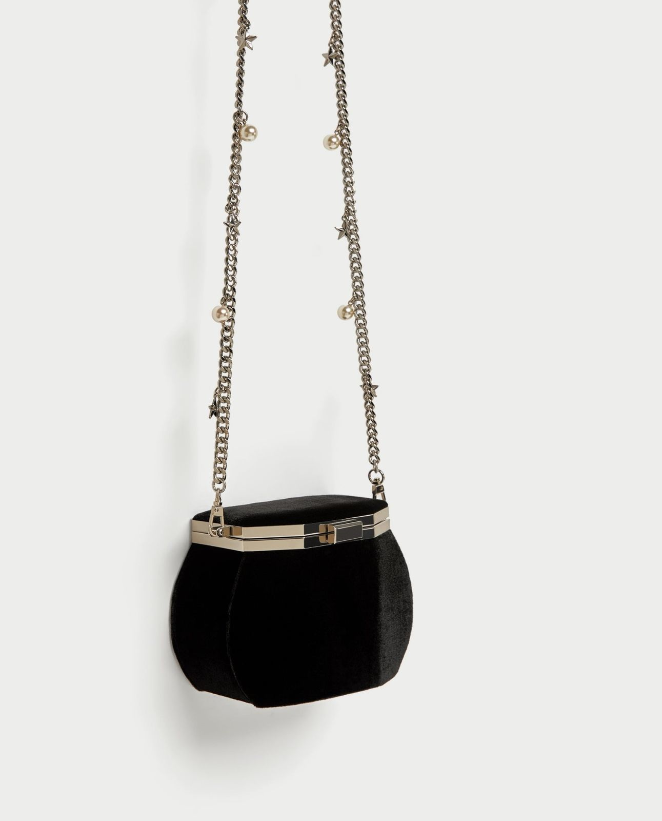 567f08468c BNWT ZARA Black Crossbody Bag With Clasp And Charm Strap REF.8377/204