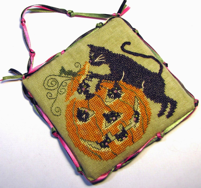 Punkin Play halloween cross stitch chart Tempting Tangles - $9.00