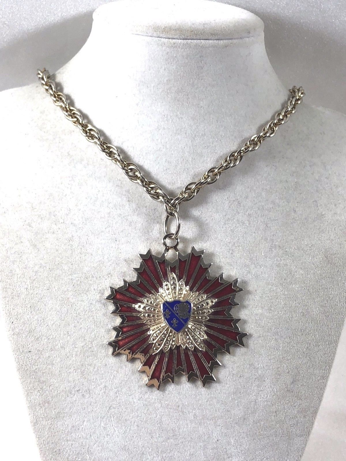 VTG silver color metal Enamel chain necklace code of arms star burst pendant