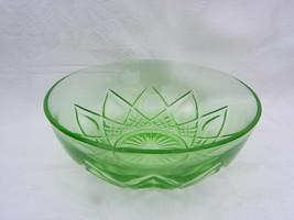 Vint Hazel Atlas Green Uranium Vaseline Dep. Glass Diamond Arches Serving Bowl - $12.99