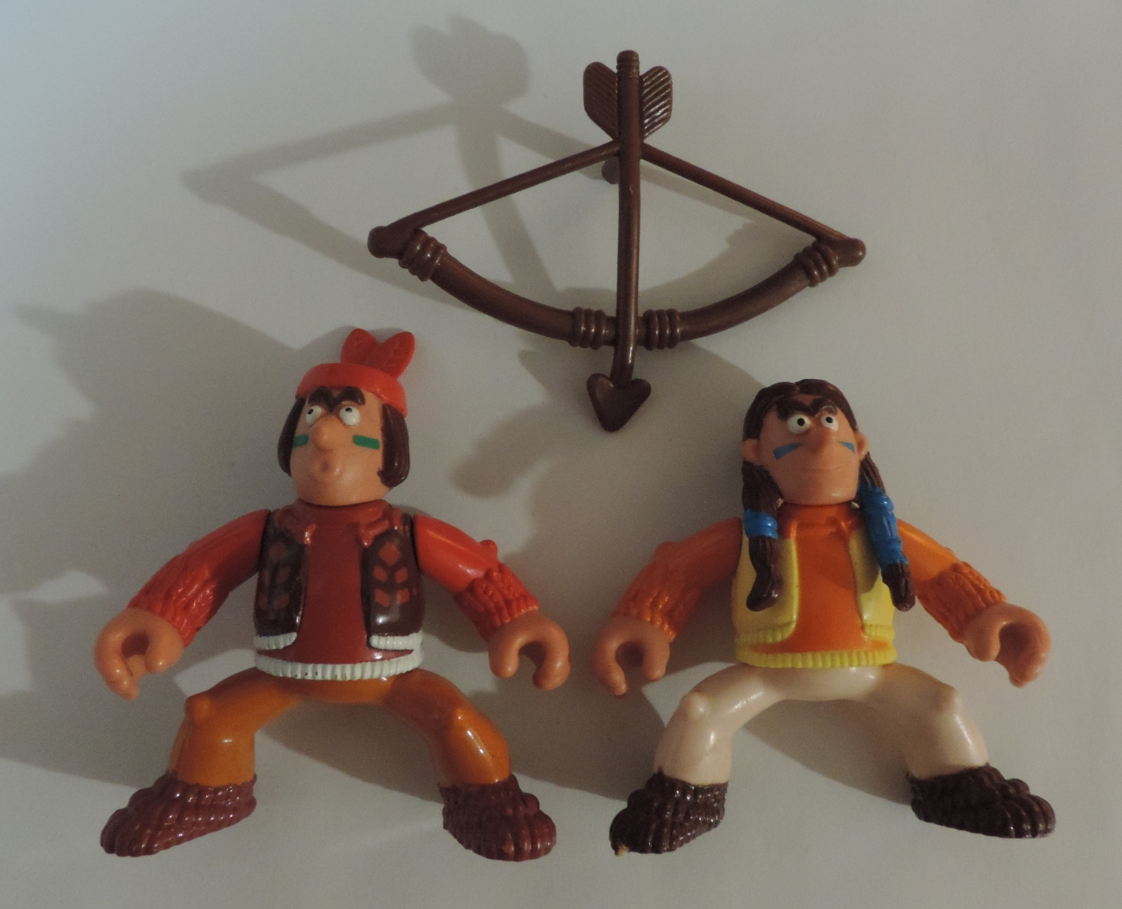 2 Fisher Price Great Adventure type American Indians toy action figures