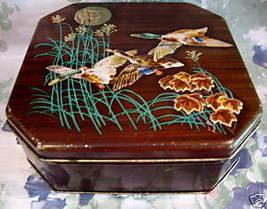 Vintage BRITISH BISCUITS Cookie Tin MALLARD DUCKS HUNTING Souvenir Colle... - $29.95