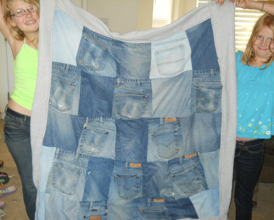 Blue Jean Quilt with Polar Fleece Back and Actual Jean Pockets! Size: 47 x 53 in