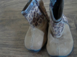 Faded Glory baby girl's brown animal print boots size 5 - £1.31 GBP