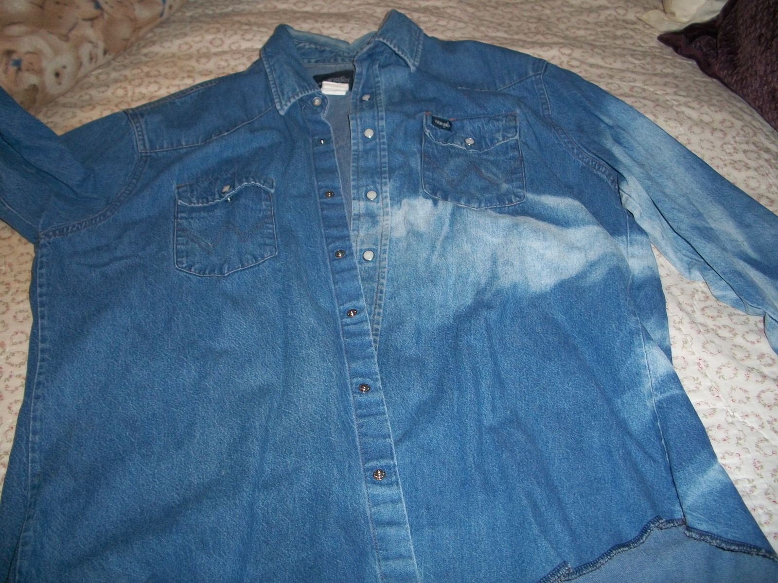 Wrangler man 39 s blue denim shirt casual shirts for Wrangler denim shirts uk