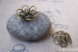 10 pcs of Antique Bronze Lovely Flower Bead Cap Charms   18mm  A3088 - $3.65