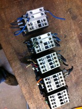 one GE Motor Starter contactor CL01D310T 4hp BCLF10 AUX CONTACTS 24V COILS - $11.38