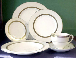 Waterford Lis. Essence Gold 6 Piece Place Setting Unmarked - $108.90