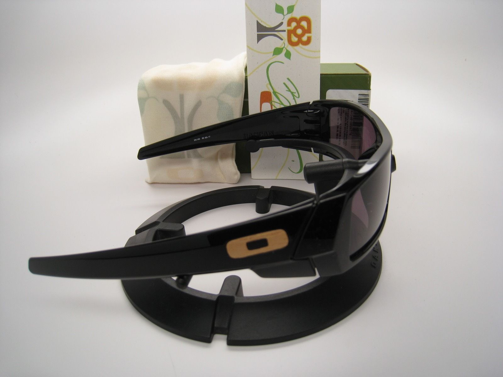 Rare!! New Oakley Limited Bob Burnquist Gascan Polished Black w/Warm Grey 24-146