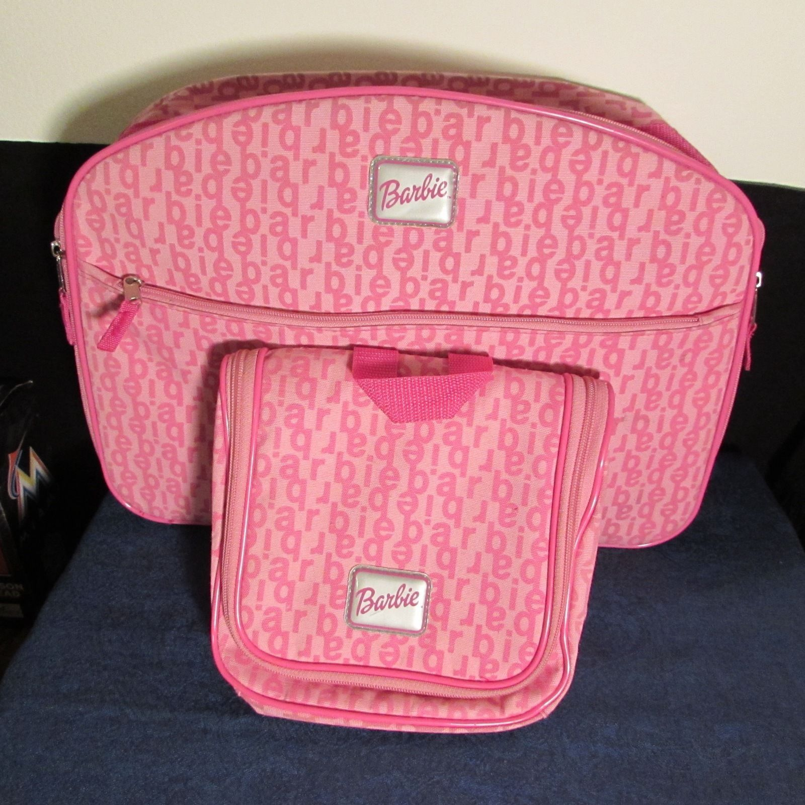 Barbie Girls Pink Zipper Soft Weekener/Suitcase & Beauty Travel Organizer Set
