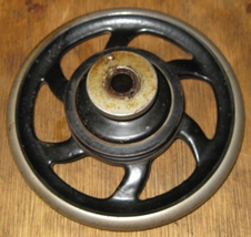 National Sewing Machine Co. Two Spool Hand Wheel 6 Spoke, Belt Pulley Complete - $13.19 CAD