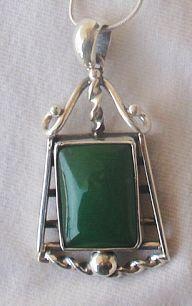 Green agate pendant 2