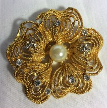 Women Pin or Brooch Gold Tone Metal witn Crystals and Faux Pearl. - $6.50
