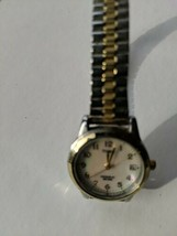 Time Women's Vintage Watch Stretch Band Silver/Gold day/date - $65.77 CAD