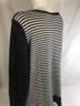 Ellen Tracy Women Black White Long Sleeve Scoop Neck Blouse  Striped  Size L - $14.01