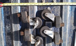 9L48 SET OF 4 CASTERS FROM BBQ GRILL: 2 ARE LOCKERS, 75X25MM WHEELS, GC - €19,48 EUR