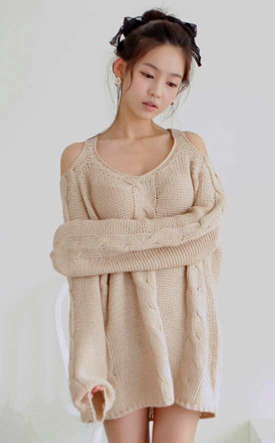 Knitting Pattern For Off Shoulder Sweater : Warm Beige Off The Shoulder Chunky Knitted Sweater. Cozy ...