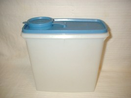 Vintage Tupperware Blue w/ Sheer Seal Pitcher Space Saver w/ Handle #469... - $24.99