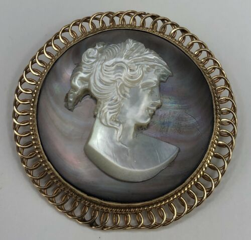 Vintage 14K Yellow Gold Mother of Pearl Oval Cameo Pendant or Brooch