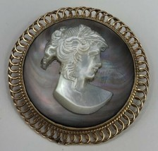 Vintage 14K Yellow Gold Mother of Pearl Oval Cameo Pendant or Brooch  image 1