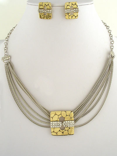 Silver Metal Design Necklace and Earrings Set