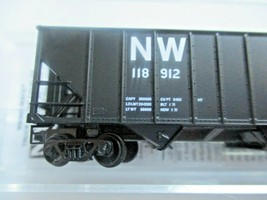 Micro-Trains # 10800422 Norfolk & Western 100-Ton 3-Bay Hopper with Coal Load (N image 2