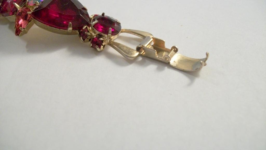 stunning siam red fuchsia pink shield pear shape rhinestone bracelet 2831