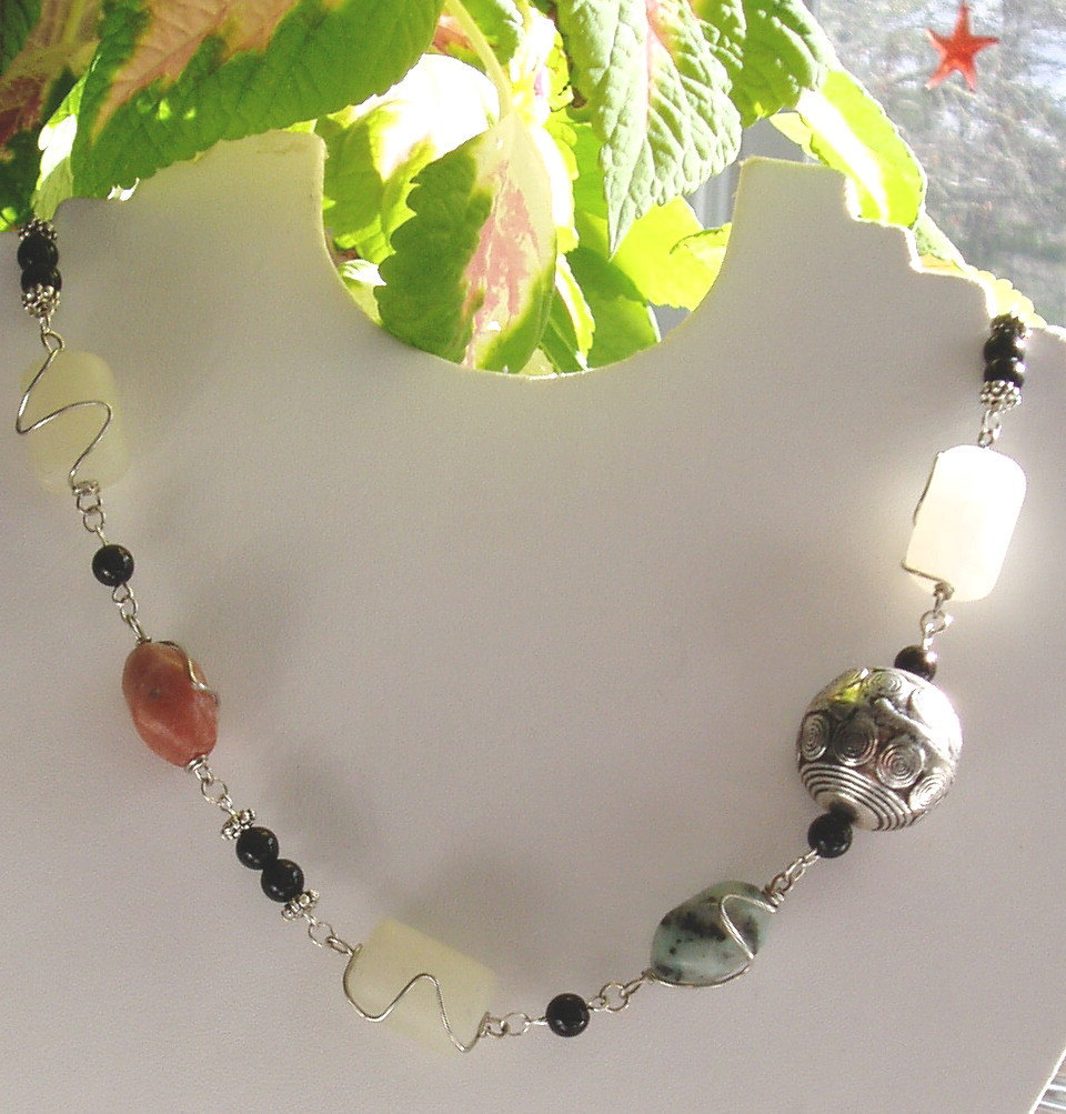 Gemstone links necklace