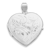 Sterling Silver Heart Locket with Etched Finish - €65,07 EUR