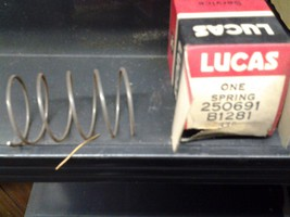 NOS Genuine Lucas Starter Drive Pinion Return Spring 250691 - $15.00